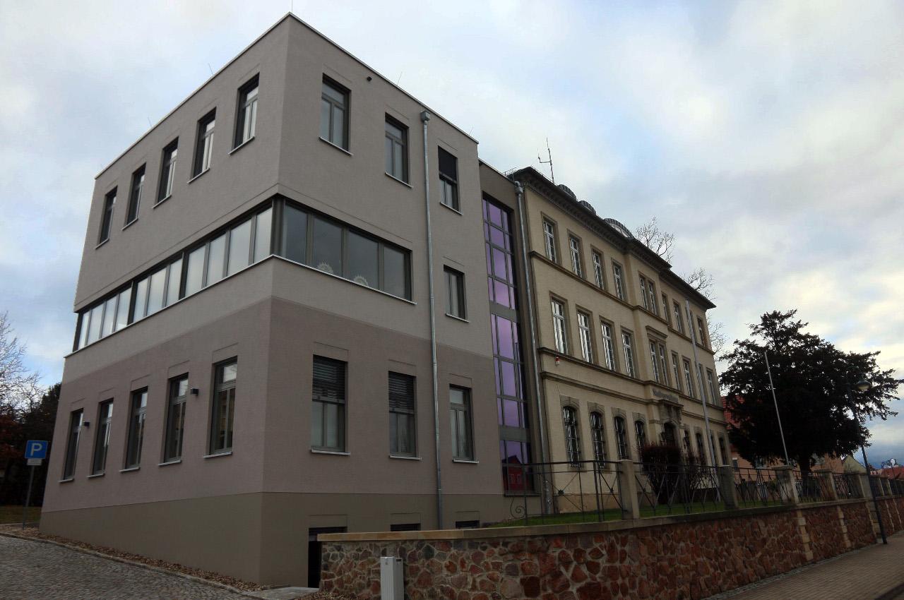 2019-12-07_Stadtverwaltung mit Anbau.jpg