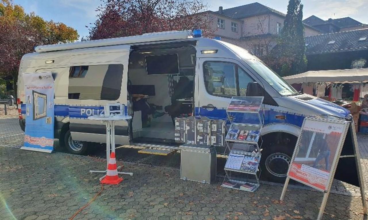 Polizeimobil_skaliert.jpg